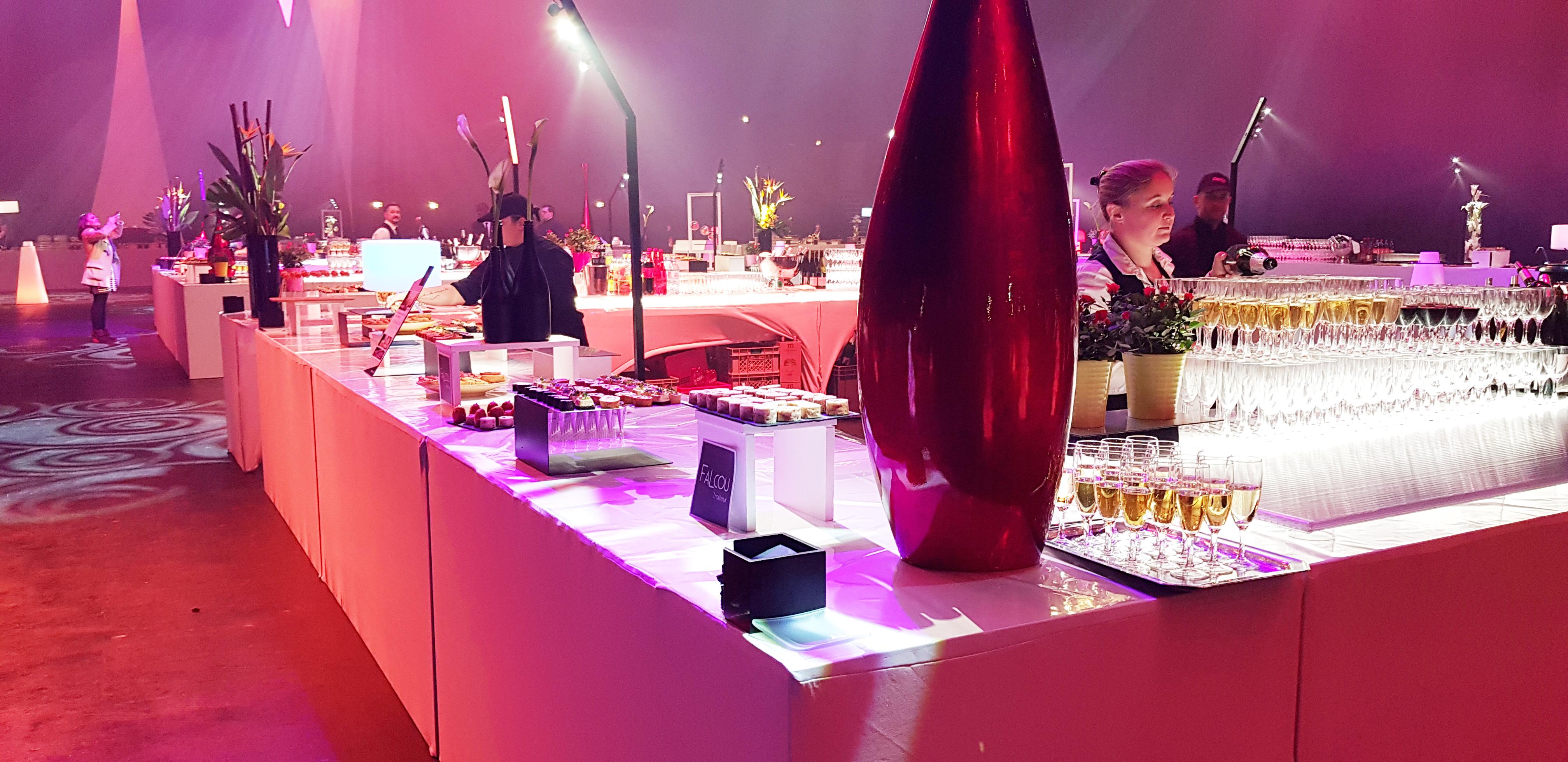 Service au bar Falcou Traiteur soirée Zénith Toulouse